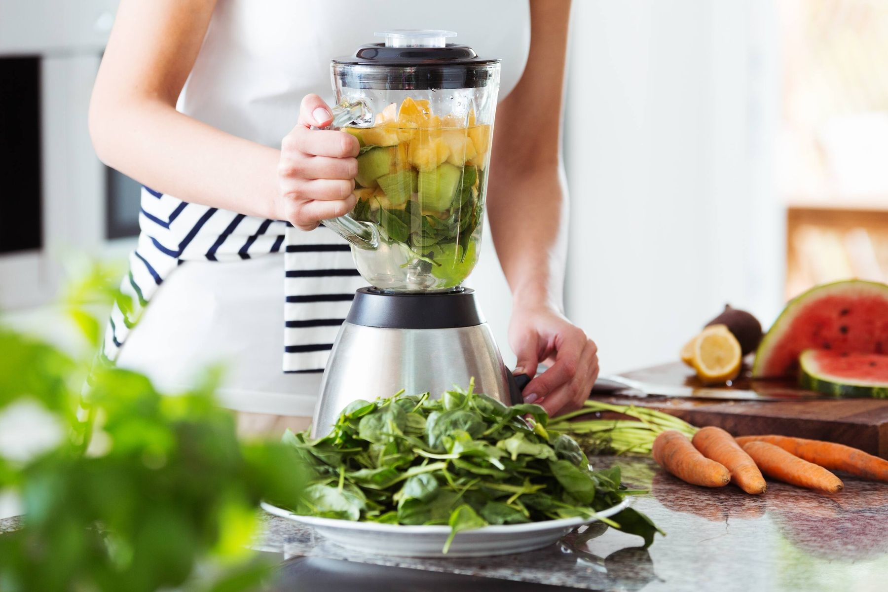 Try These Smart Steps To Clean Your Kitchen Grinder