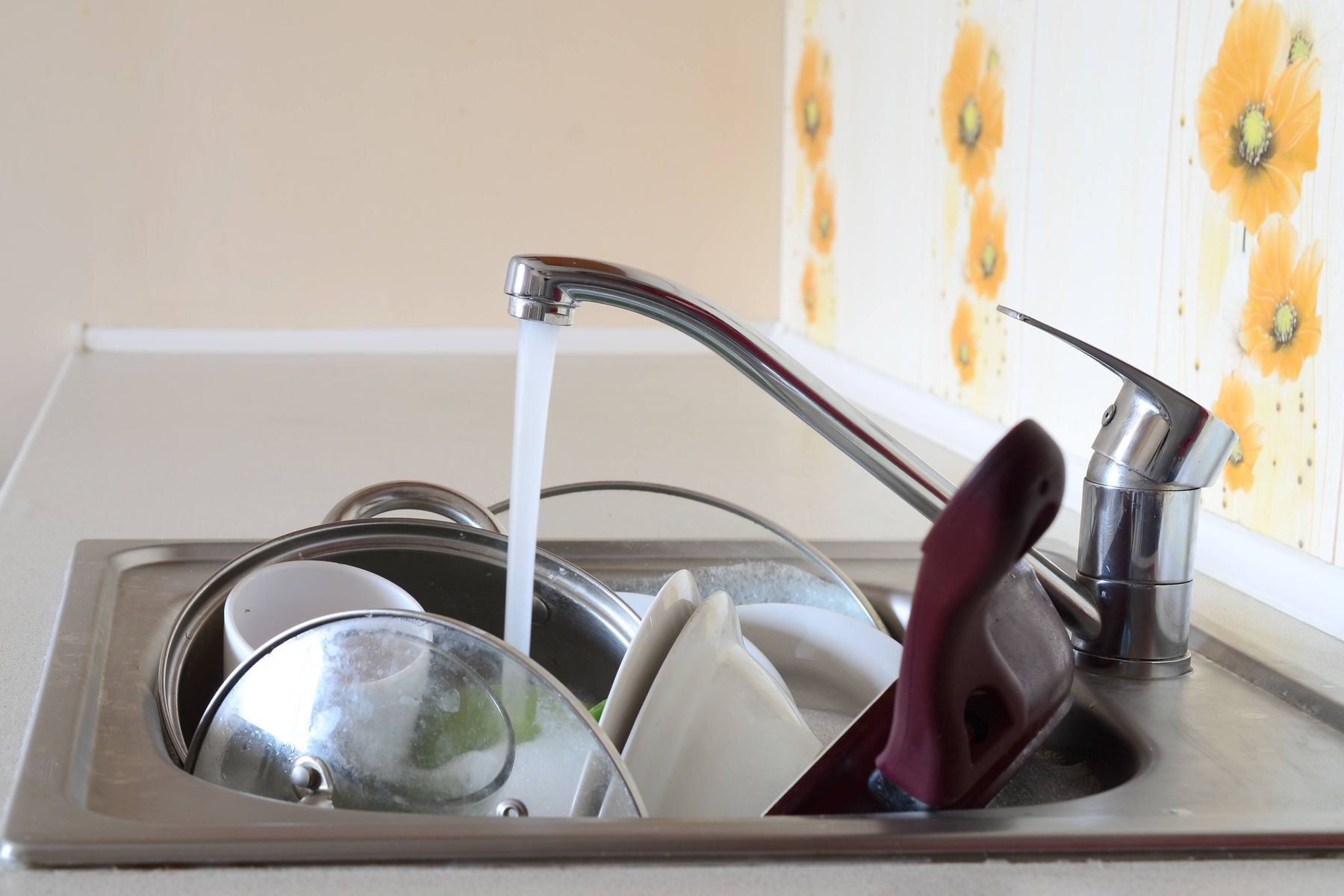 Choose Warm Water Over Cold For Your Pans and Pots
