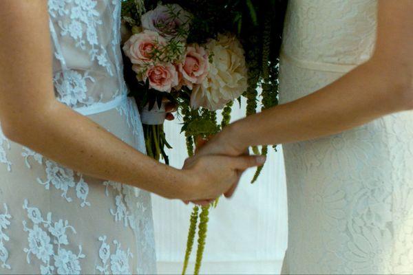 Gợi ý nàng dâu mới 3 kiểu áo dài cưới hot nhất mùa này