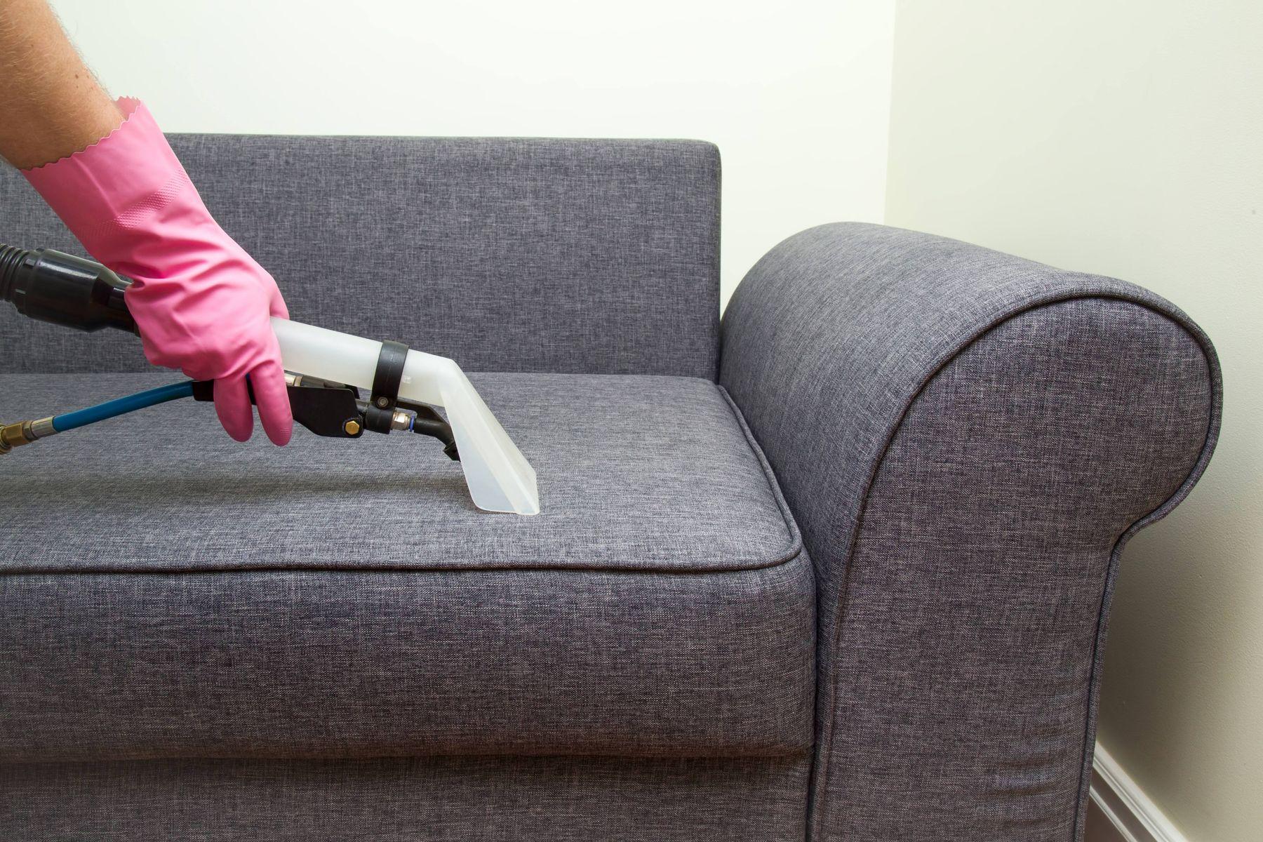Sử dụng máy giặt ghế sofa để vệ sinh ghế