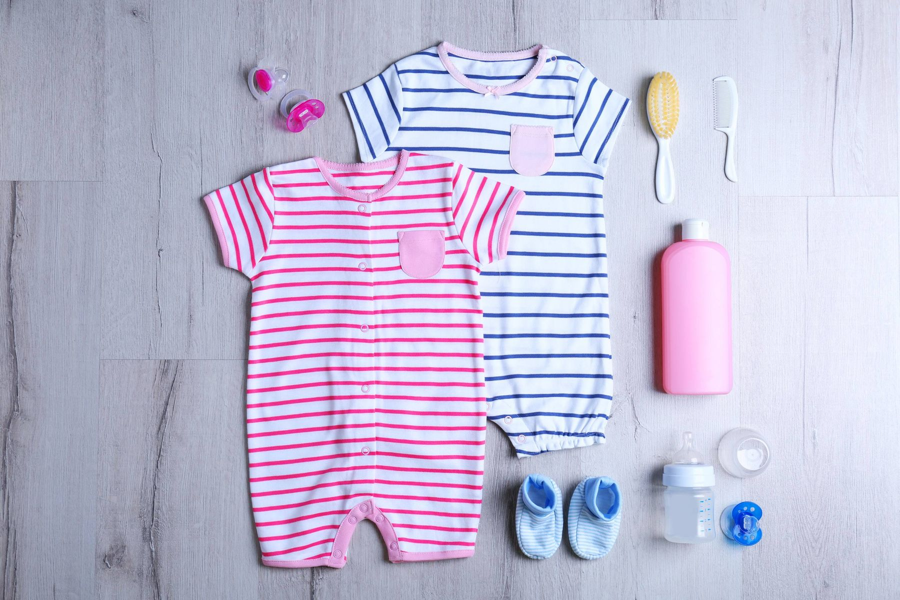 How to Remove Breast Milk Stains from Baby's Clothes | Cleanipedia
