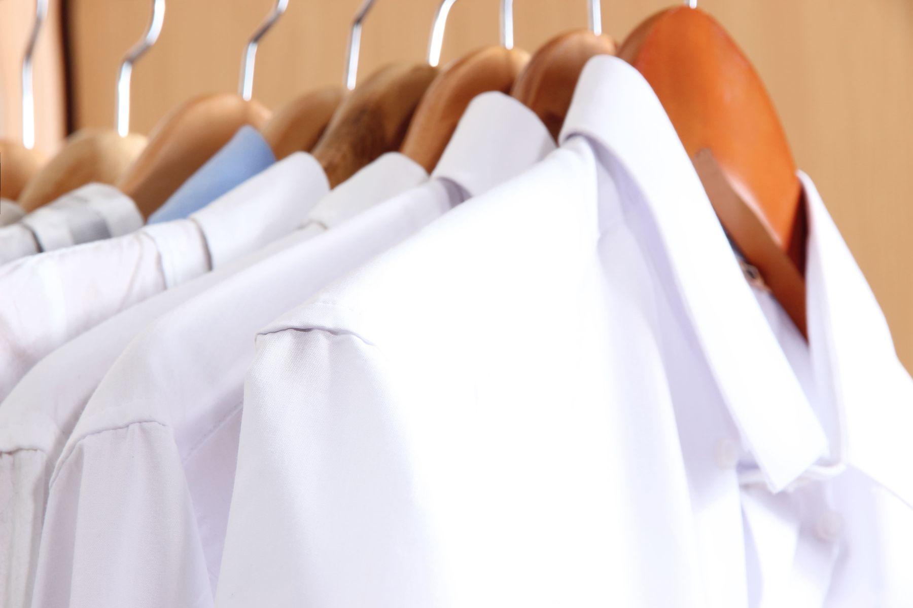 Lekesiz Beyaz Gömlekler İçin Sandık Lekesi Çıkarma Yöntemleri
