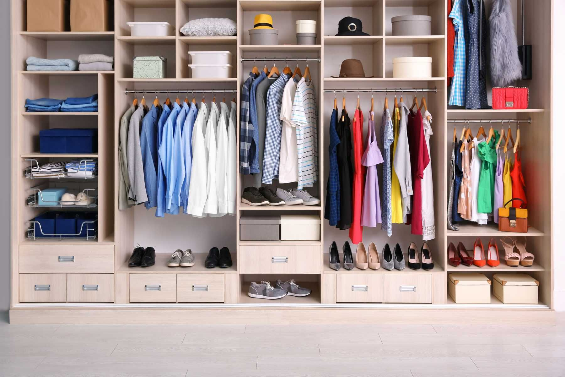 #11 Cách sắp xếp tủ quần áo trong phòng ngủ giúp tiết kiệm diện tích