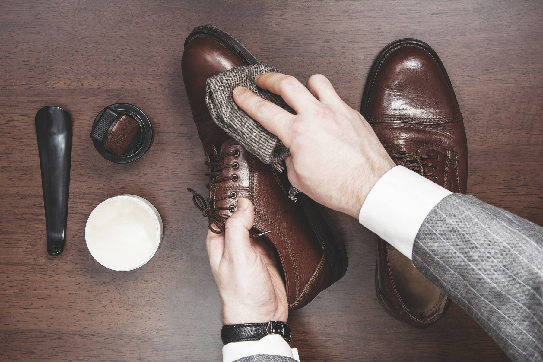 How to get clean and shiny leather shoes in less than 60 seconds.