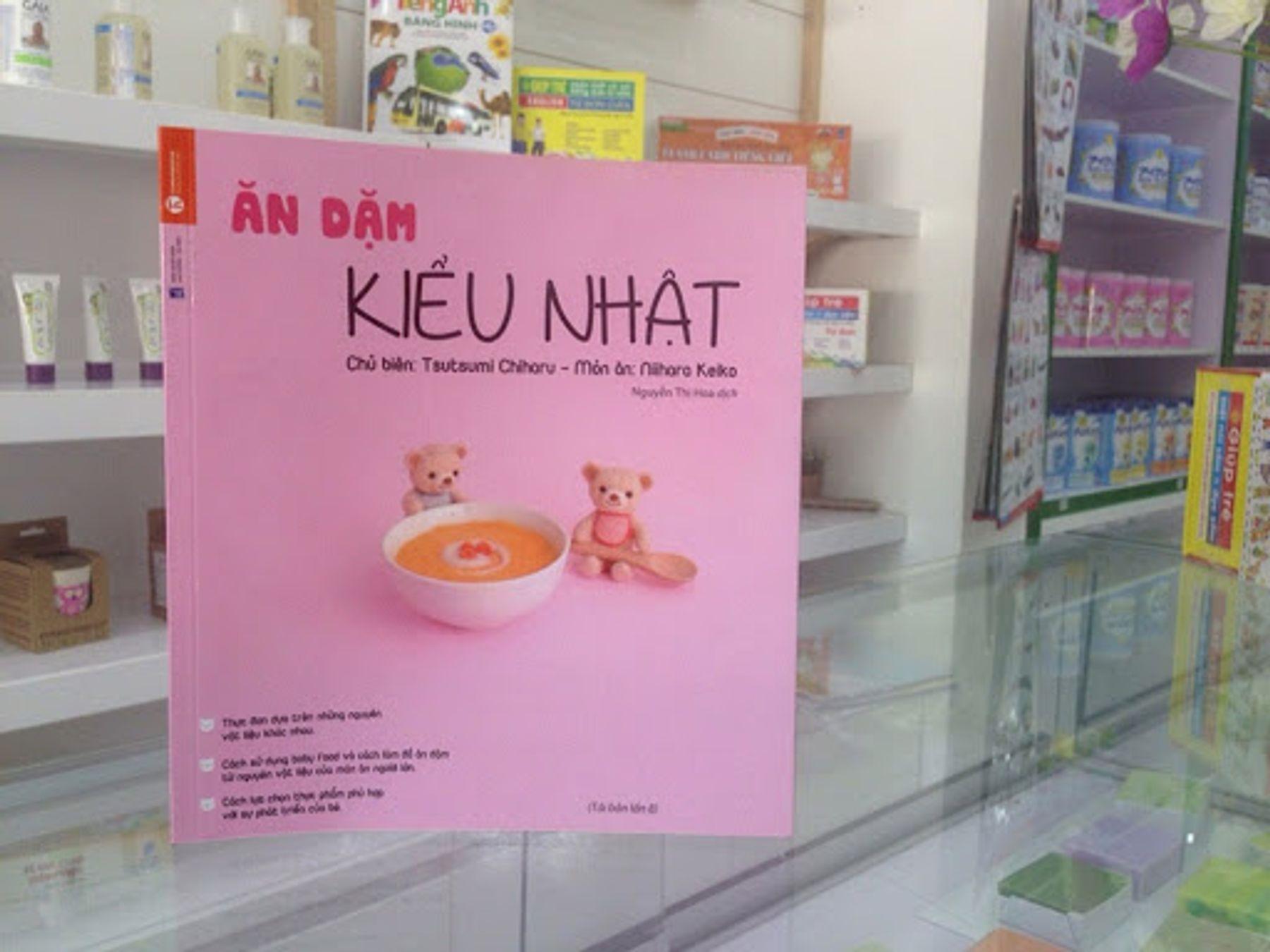 """Sách nuôi dạy con kiểu Nhật - """"Ăn dặm kiểu Nhật"""" - Tsutsumi Chiharu"""