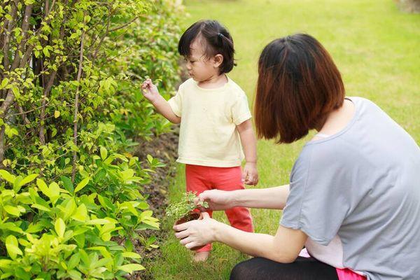 Mẹ cần làm gì để bảo vệ bé khỏi tác hại của vi khuẩn trong mùa hè nắng nóng