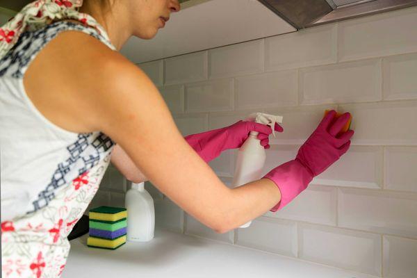 como-limpar-azulejos-engordurados