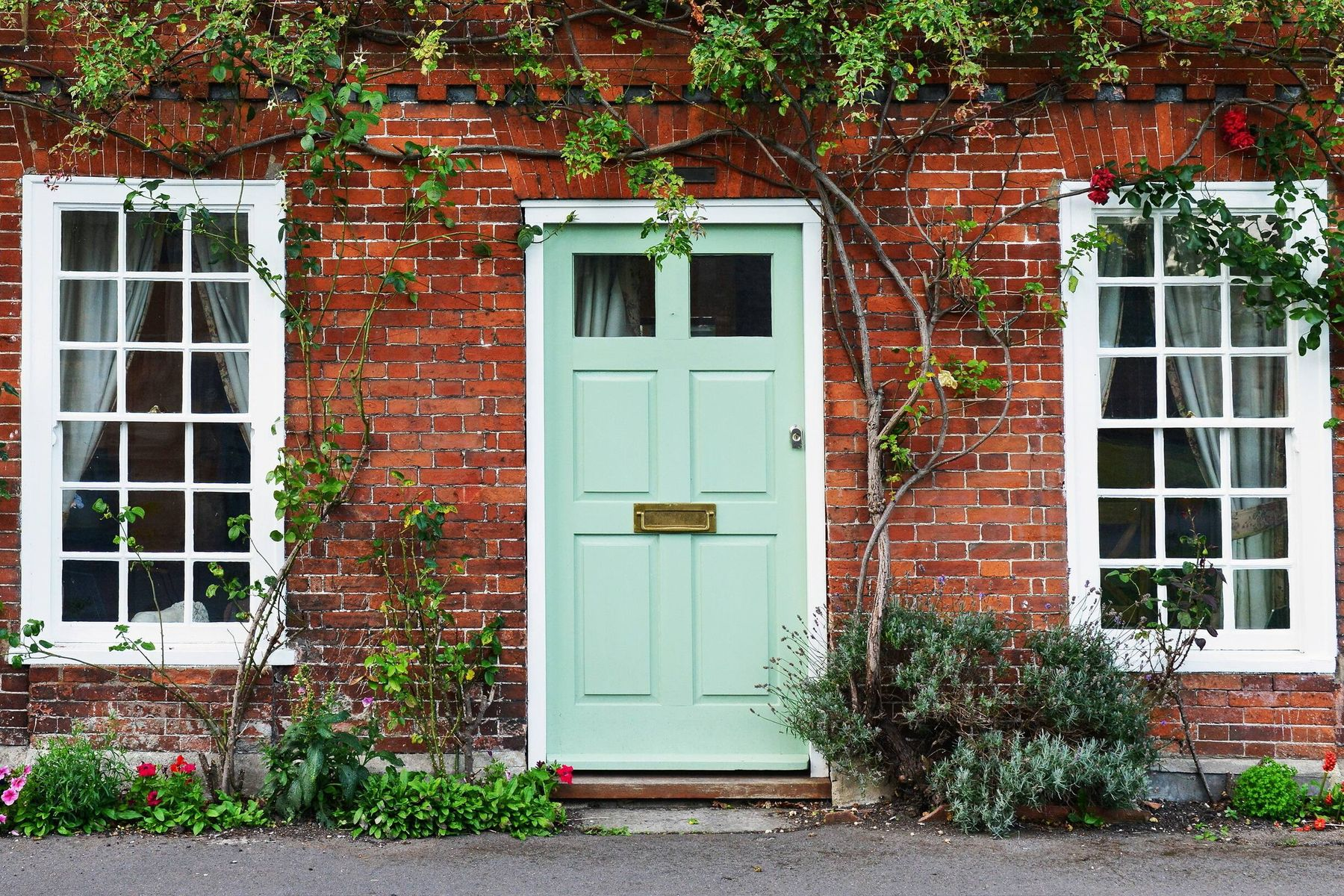 Try This Process to Clean the Frames of Your Doors and Windows
