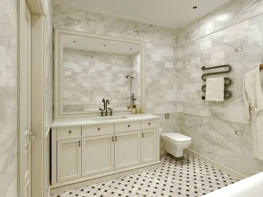 Cách là áo sơ mi bằng hơi nước trong nhà tắm