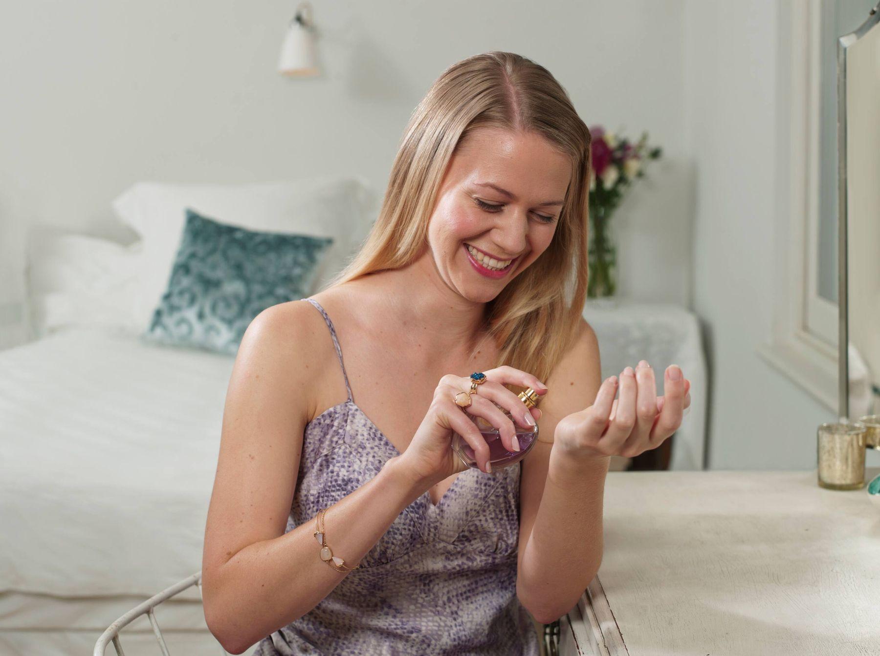 Bán hàng online nước hoa