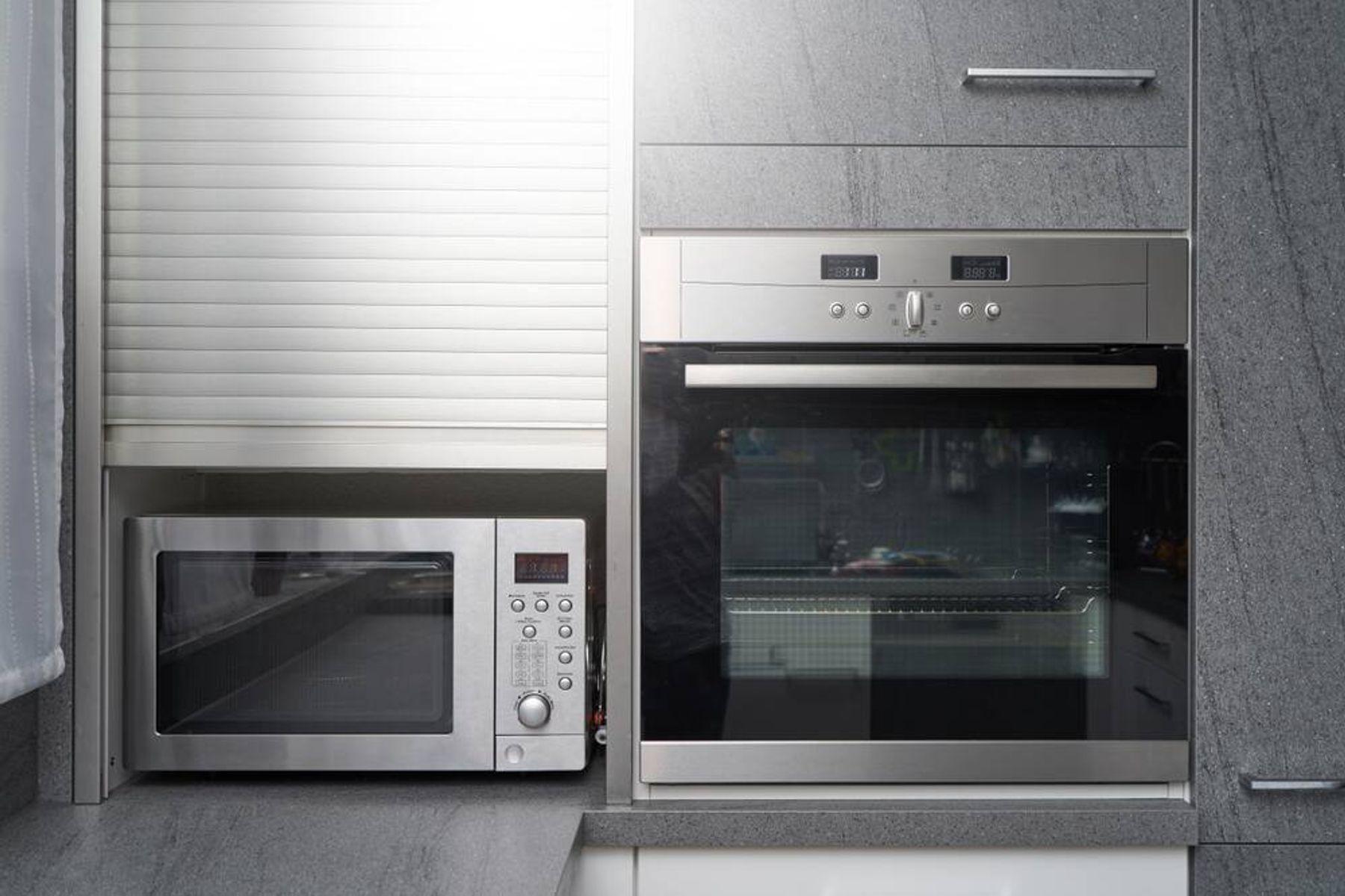 Serupa tapi Tak Sama, Inilah Perbedaan Oven dan Microwave