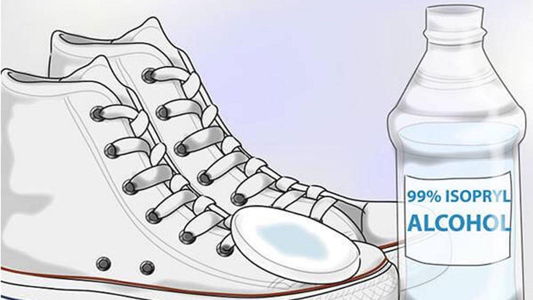Sử dụng cồn làm cách khử mùi hôi giày mới