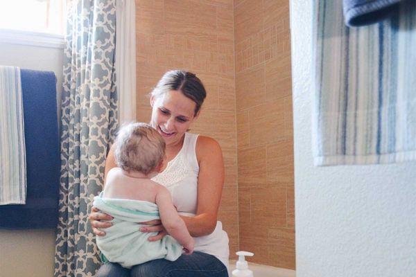 Cách chọn & bảo quản khăn quấn bé đúng cách