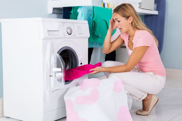 are-your-clothes-getting-dirtier-when-you-wash-them-in-your-washing-machine-look-for-these-signs-and-follow-these-simple-steps-for-a-quick-fix