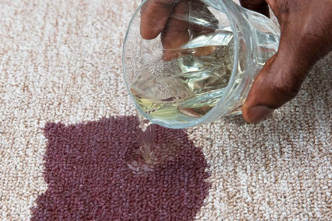 remove red wine from the carpet