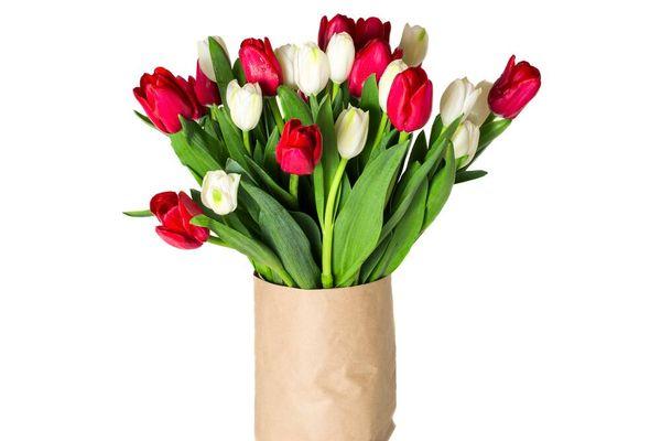 Gợi ý 4 cách cắm hoa để bàn cho người mới bắt đầu