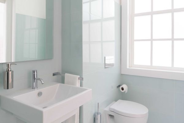 banheiro-com-cheiro-de-esgoto-7-dicas-para-acabar-de-vez-com-esse-problema