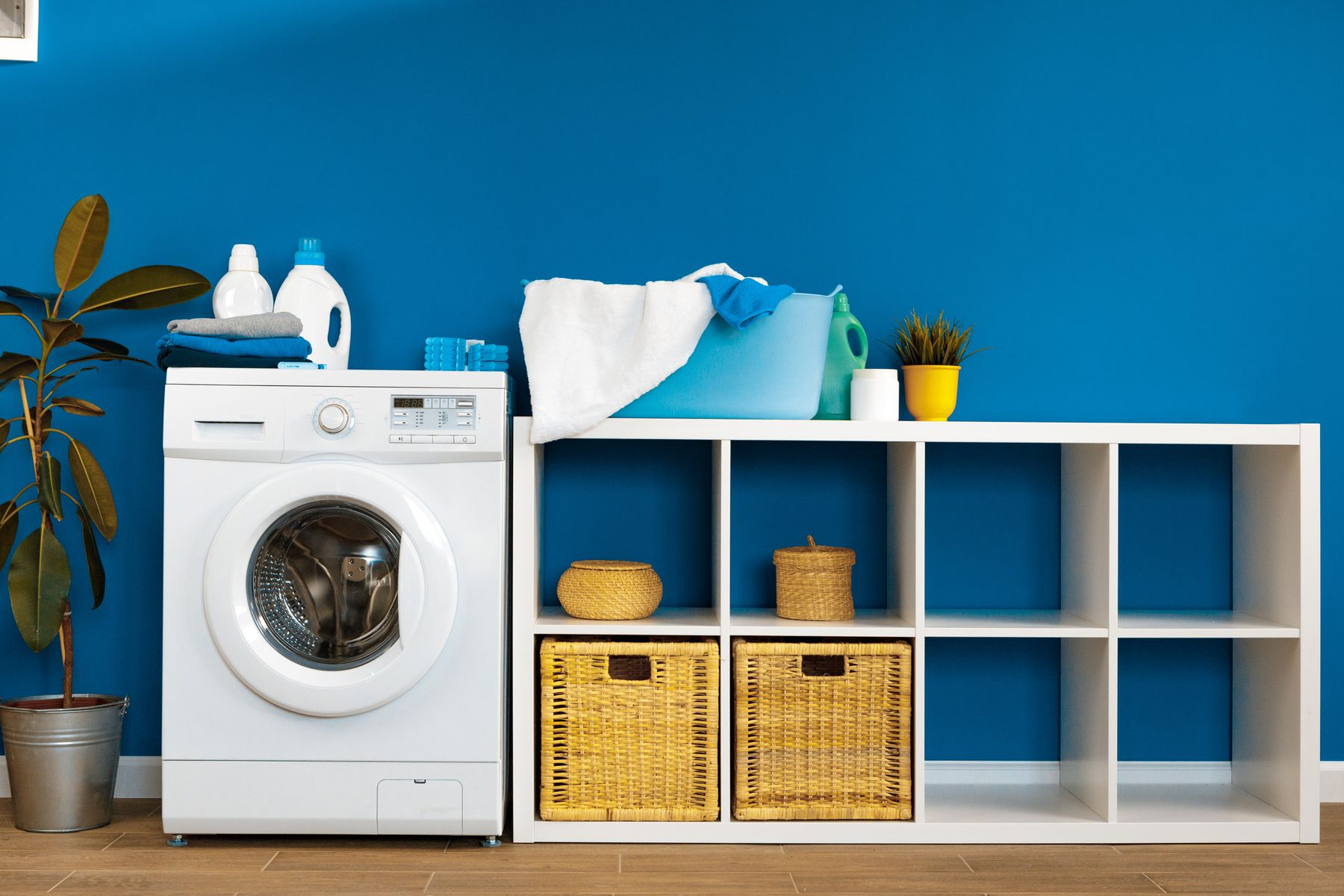 Tips to Keep In Mind While Drying Your Clothes In A Washing Machine shutterstock 1722761533