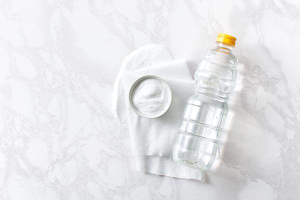 Descubrí cómo limpiar con bicarbonato y vinagre