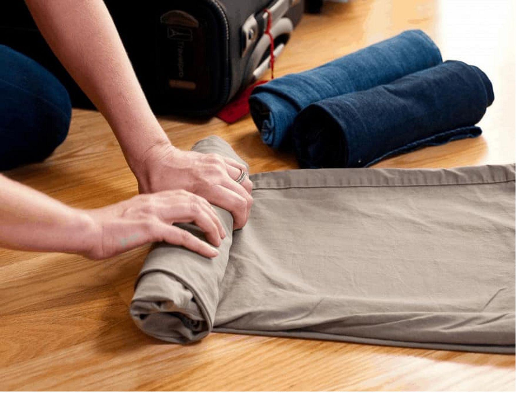 Cách xếp quần jeans, quần tây