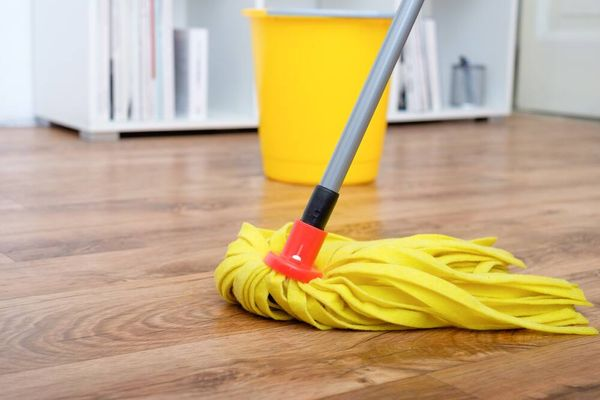 mop on laminate floor