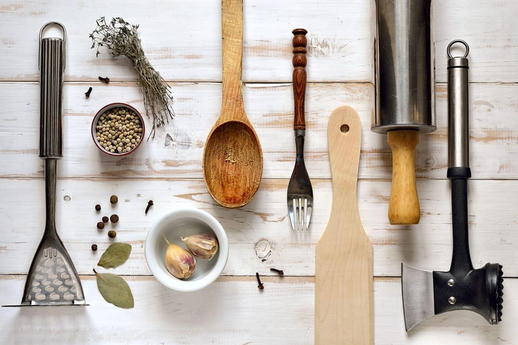Cara Membersihkan Peralatan Dapur Agar Bebas Bakteri