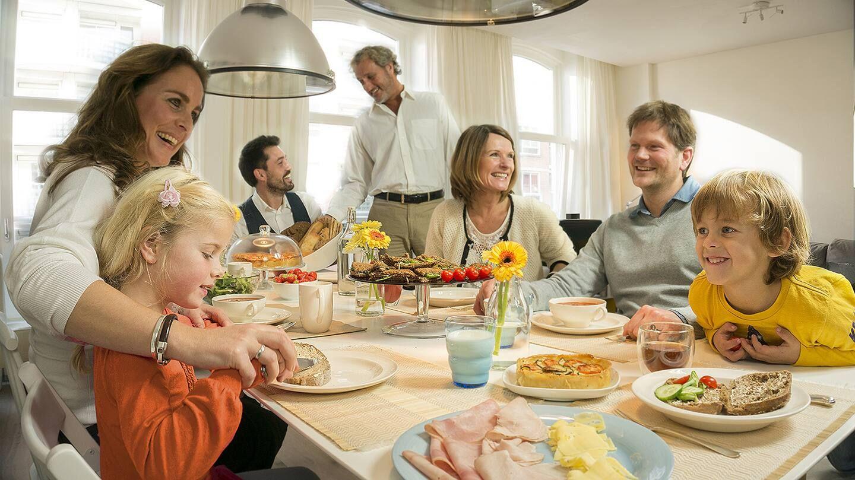 bữa cơm gia đình trọn vẹn
