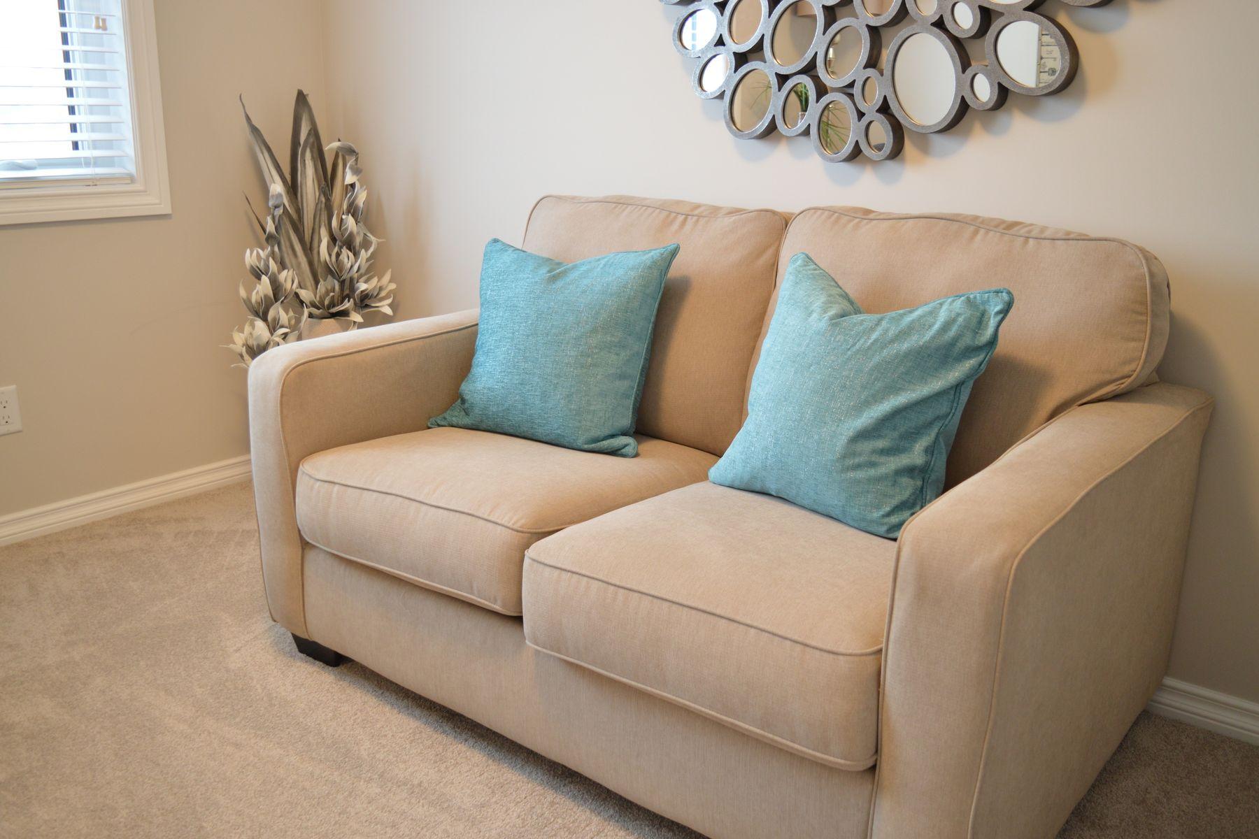 como-limpar-sofa-a-seco