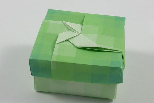 tái chế thùn giấy đơn giản