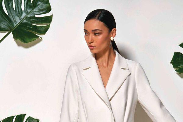 Áo vest trắng bị phai màu