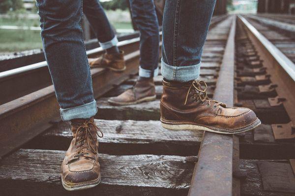 Quần jean bị phai màu do đâu? 5 cách khắc phục