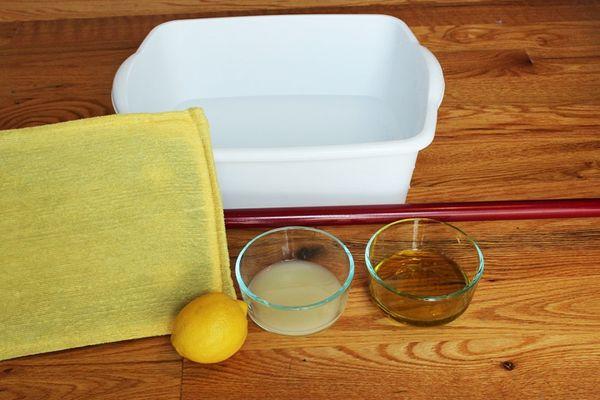 Các loại dung dịch có thể dùng để vệ sinh, lau chùi đồ gỗ