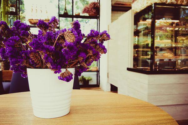 4 Lưu ý cần nhớ khi cắm hoa để bàn khi nhà có tiệc