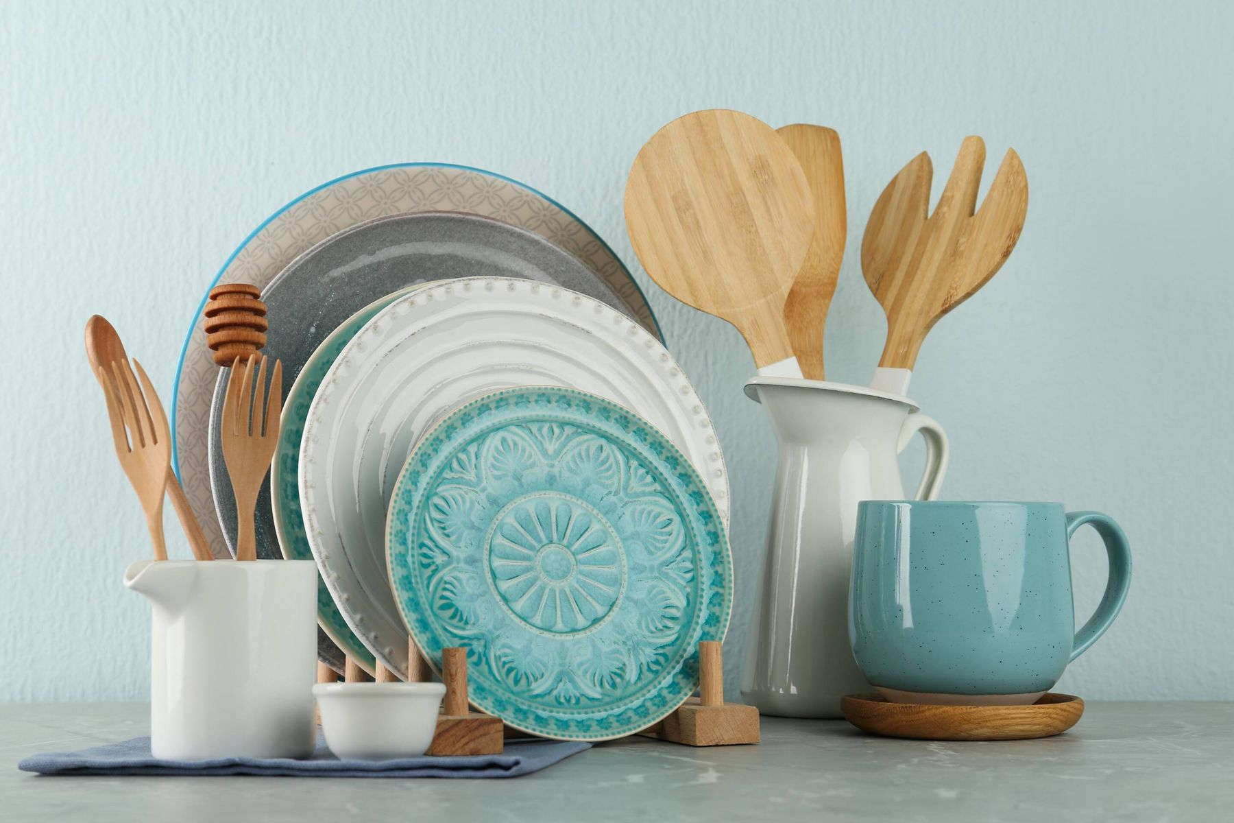 How to Keep your Crockery Clean and Sparkling | Get Set Clean
