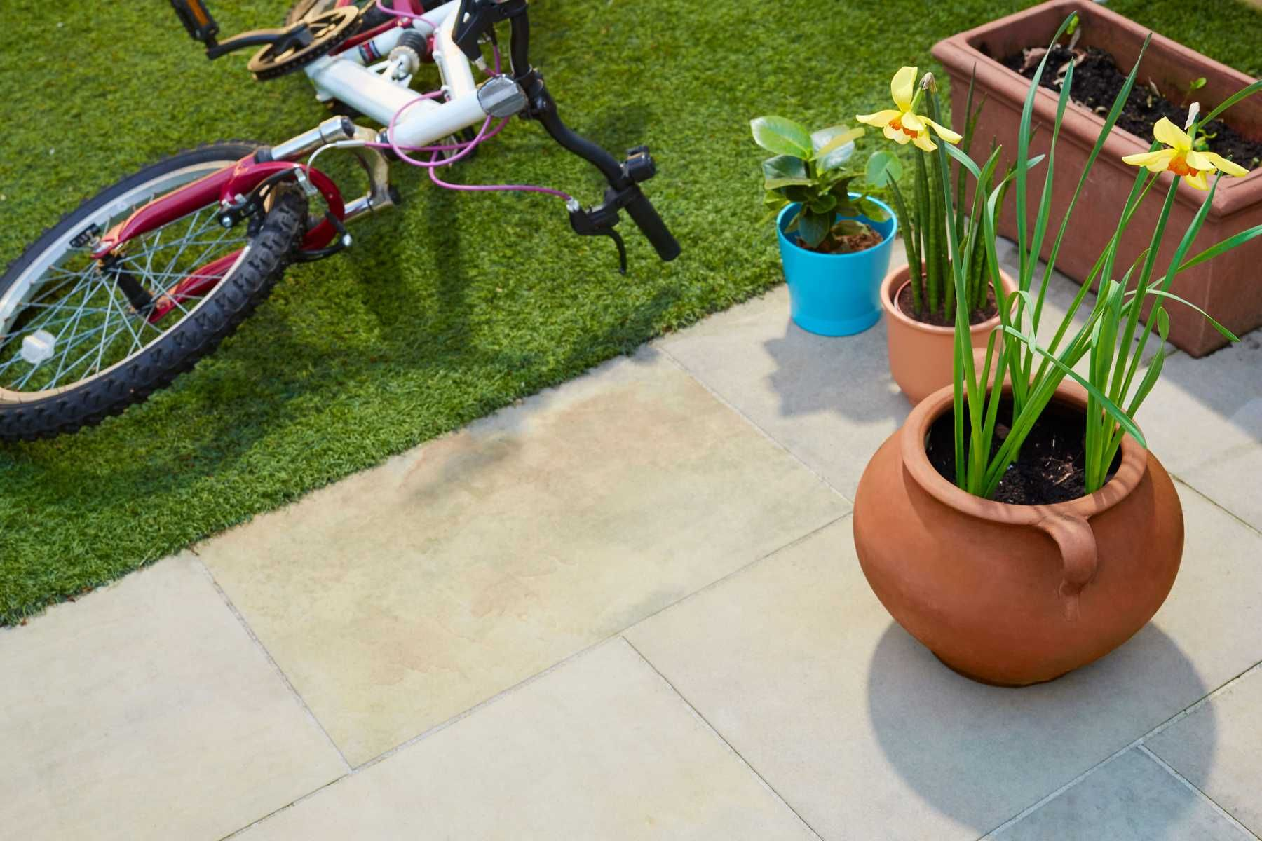 9-ideias-criativas-de-decoracao-com-paletes-para-o-jardim