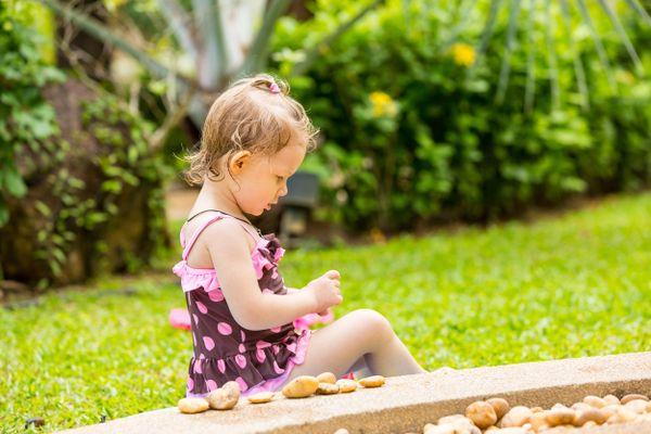 Những lợi ích khi tắm nắng đối với trẻ bị còi xương