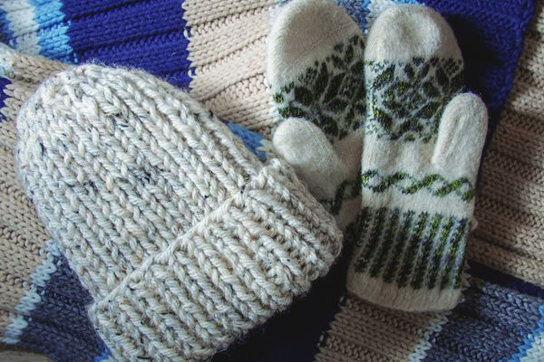 How to Hand-Wash Your Woollen Gloves, Caps and Mufflers