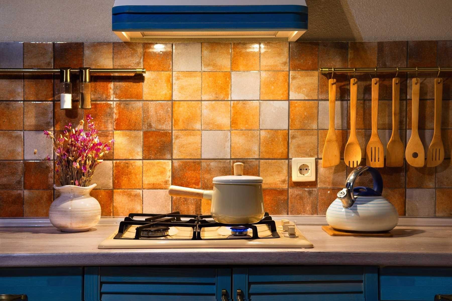 Trang trí phòng bếp bằng gạch ốp tường độc đáo
