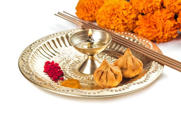 How to Remove Burnt Camphor Stains from your Puja Thali | Get Set Clean