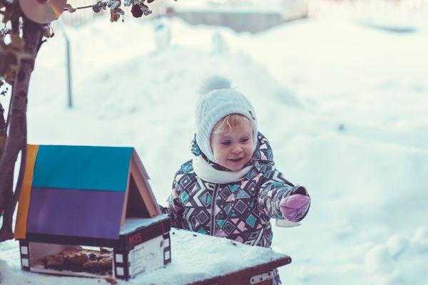 3 quy tắc mặc đồ cho trẻ sơ sinh khi ra ngoài vào mùa đông