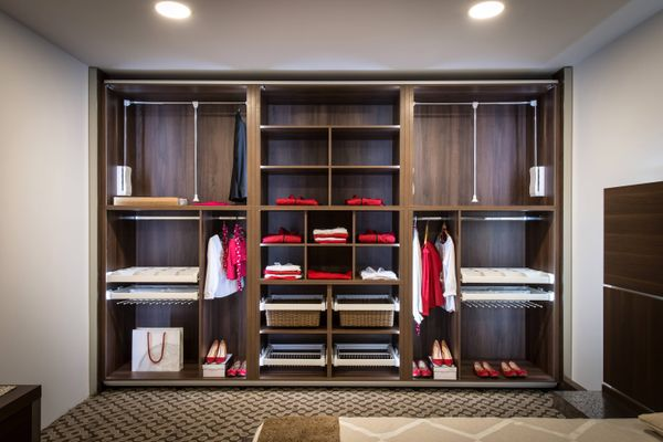 How to Prevent Mould Growing in Your Wardrobe | Cleanipedia