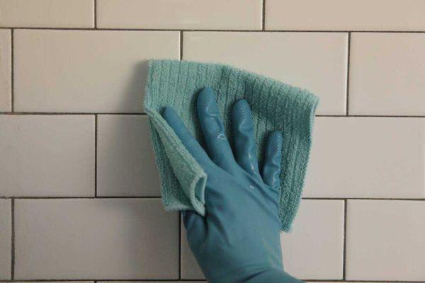 como-limpar-ceramica-branca-encardida