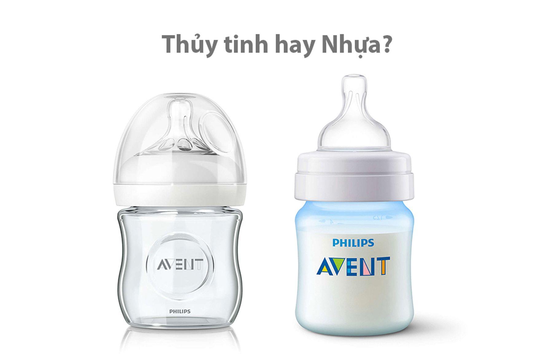 Bình sữa cho trẻ sơ sinh bằng thủy tinh và bằng nhựa