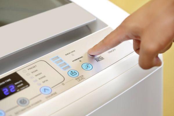 nên dùng nước xả vải khi giặt máy không?