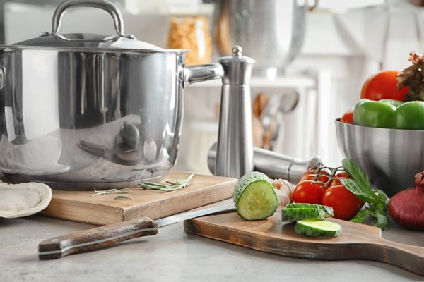 Easy Tips to Maintain Your Stainless Steel Crockery