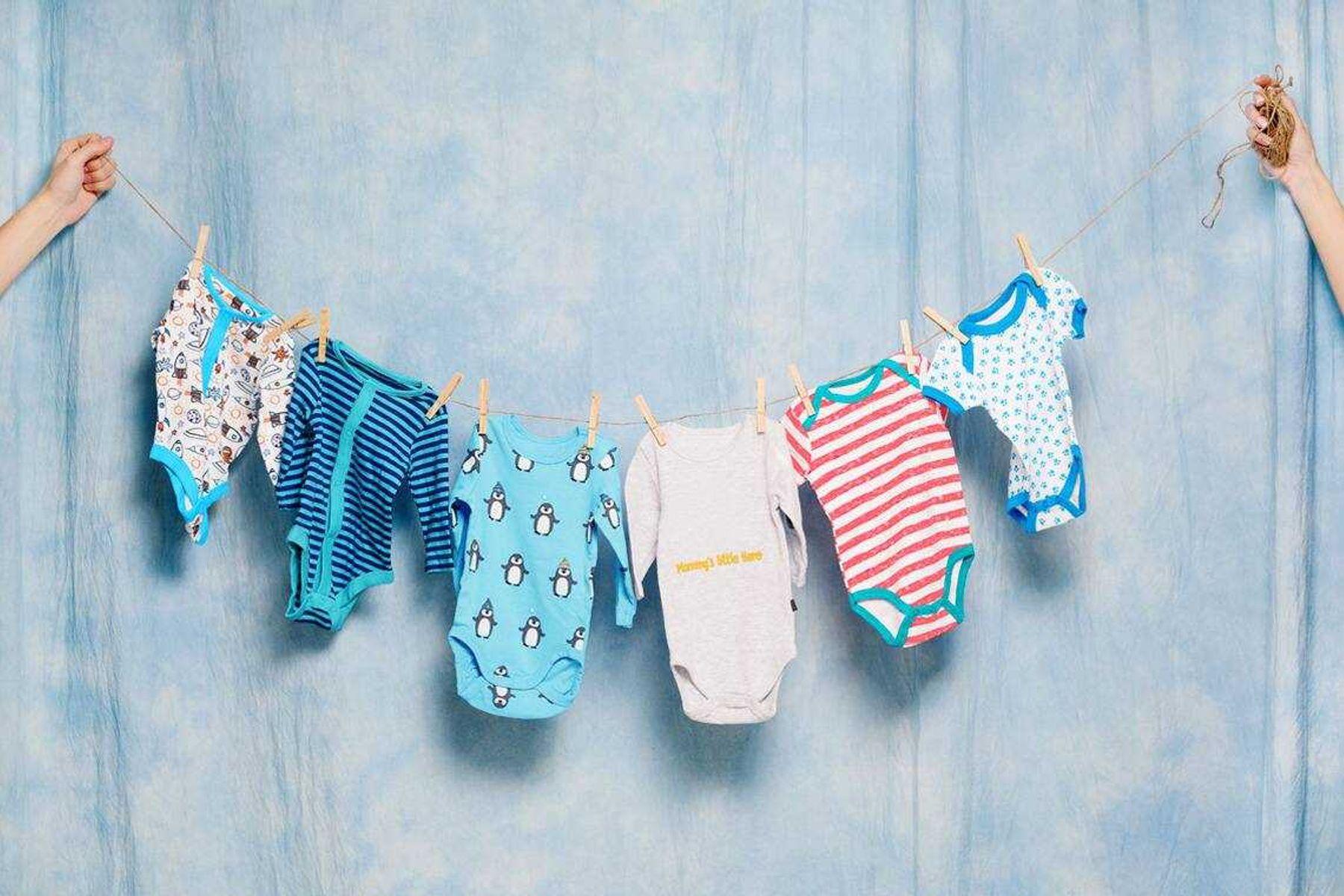 Cách giặt quần áo cho trẻ sơ sinh không bị kích ứng