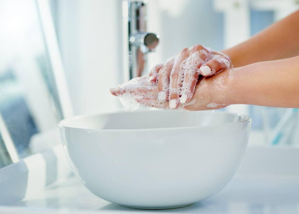 Cách tự làm nước rửa tay khô y tế bảo vệ sức khỏe