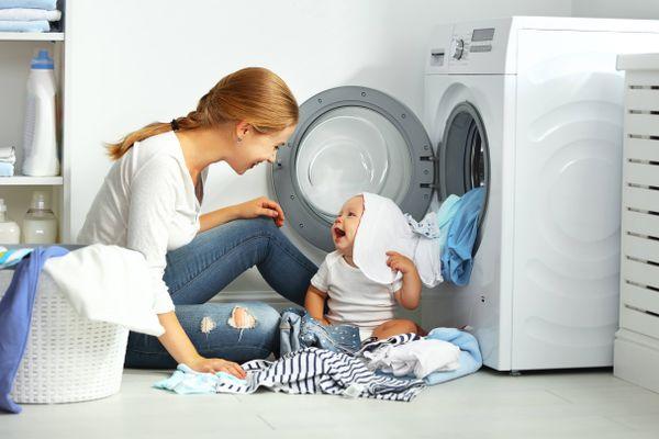 7 Bước đơn giản giặt quần áo trẻ sơ sinh bằng máy giặt đúng cách, an toàn