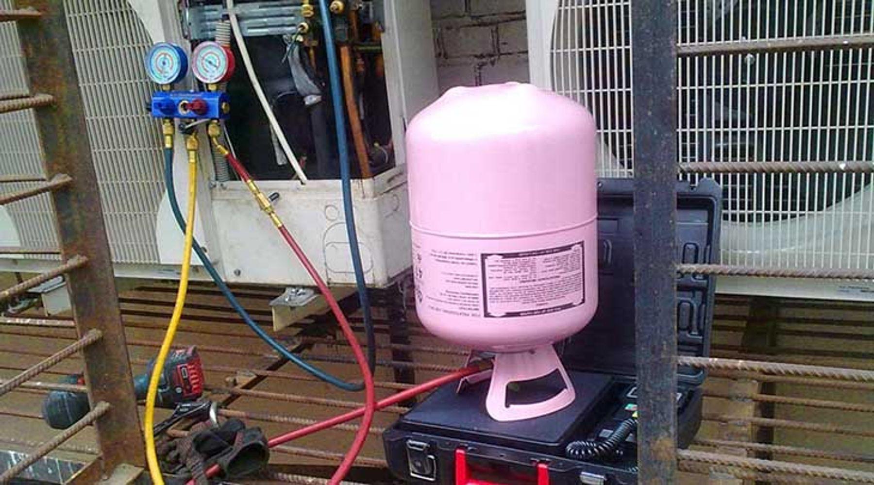 Nạp đủ gas cho điều hòa thiếu hoặc hết gas