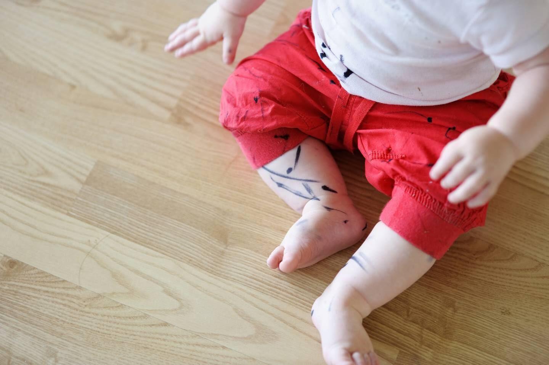 Sử dụng nước lau sàn có gây hại cho trẻ nhỏ không?